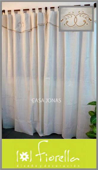Cortina de ambiente con bordado Fiorella, 2 paños de 1.45m x 2.10m