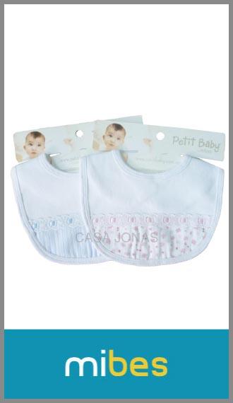 Babero Petit Baby c/pasacinta cuello c/velcro, medida 18cm x 21cm