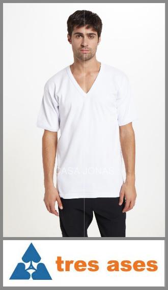 Camiseta de interlock manga corta cuello V 3 Tres Ases talles 46/48